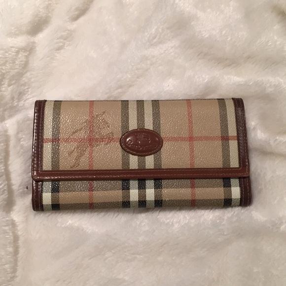 f83ba27c0b1d Burberry Handbags - Vintage Woman s Burberry wallet